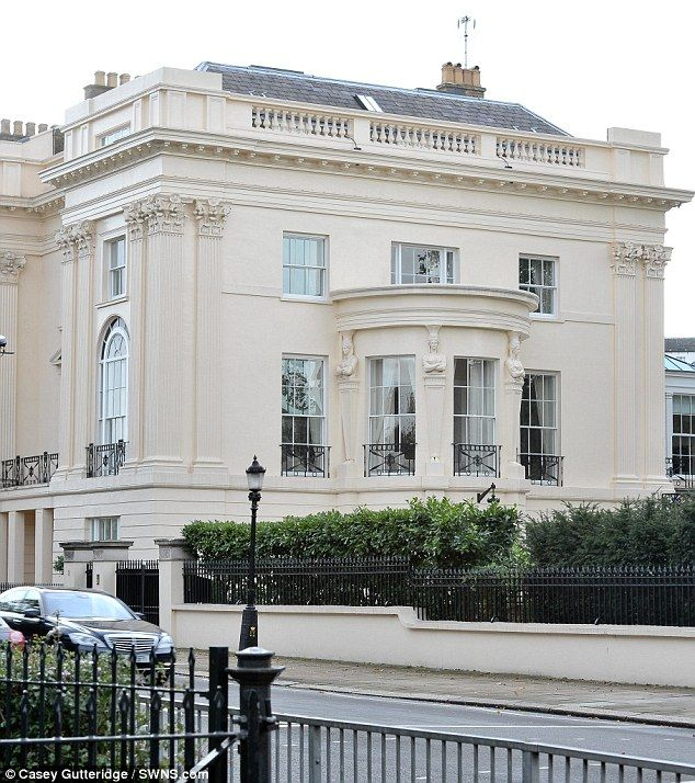 Britains Most Expensive Terraced Home Sells For Record Breaking - Beautiful georgian house in london