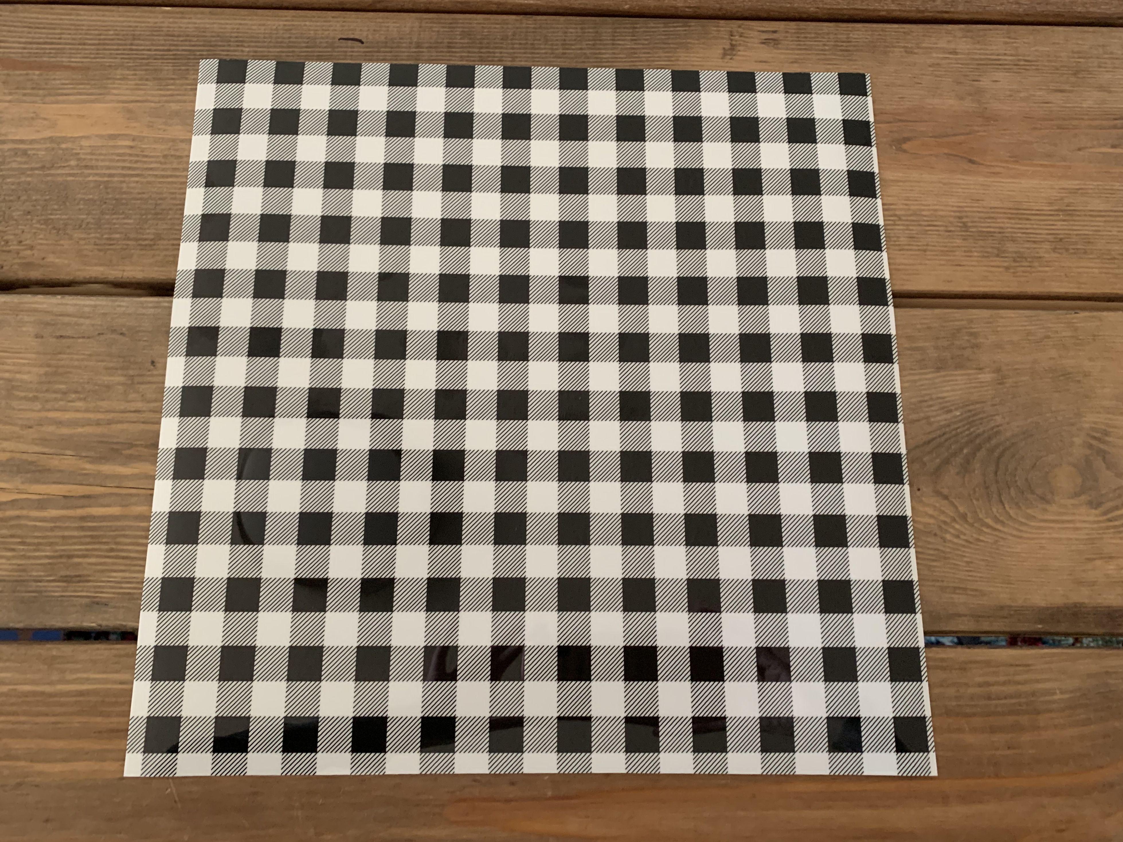 Buffalo Plaid Htv White And Black Buffalo Plaid Htv In 2020 Patterned Heat Transfer Vinyl Buffalo Plaid Pattern Heat Transfer Vinyl