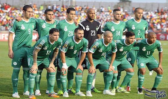 فيغولي يأسف لأن لاعبي منتخب الخضر تحم لوا فتح صانع ألعاب المنتخب الجزائري سفيان فيغولي النار على المدر ب الصربي ميلوفان رايفاتش Soccer Field Soccer Field