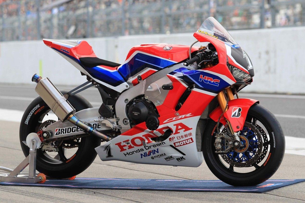 The Cbr1000rrw Honda S Endurance Secret Weapon Drivemag Riders In 2020 Racing Motorcycles Honda Cbr Honda Sport Bikes