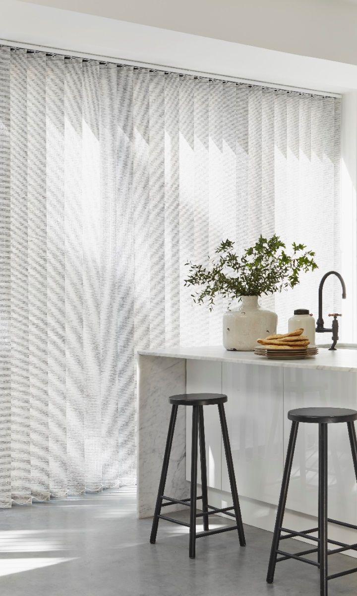 wohnidee lamellenvorhang die k che pinterest lamellenvorhang die k che und gardinen. Black Bedroom Furniture Sets. Home Design Ideas