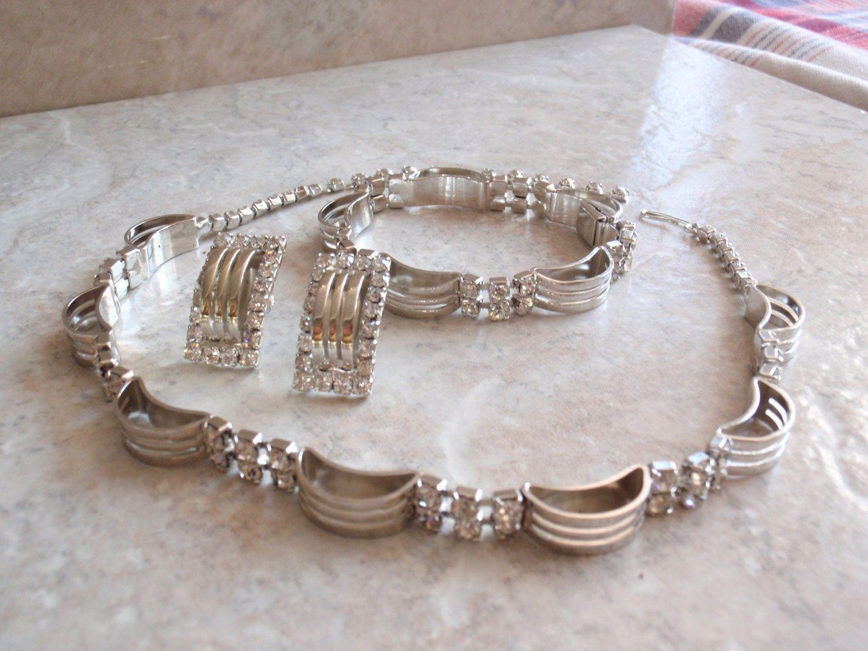 Crystal rhinestone choker necklace bracelet earring set parure white