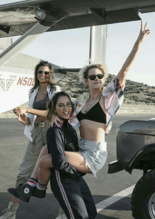 Pin by Juhi Singh on Kristen Stewart in 2020   Kristen ...