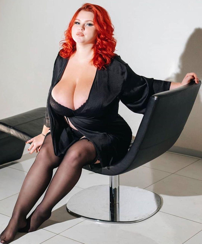 sexy-redhead-bbw