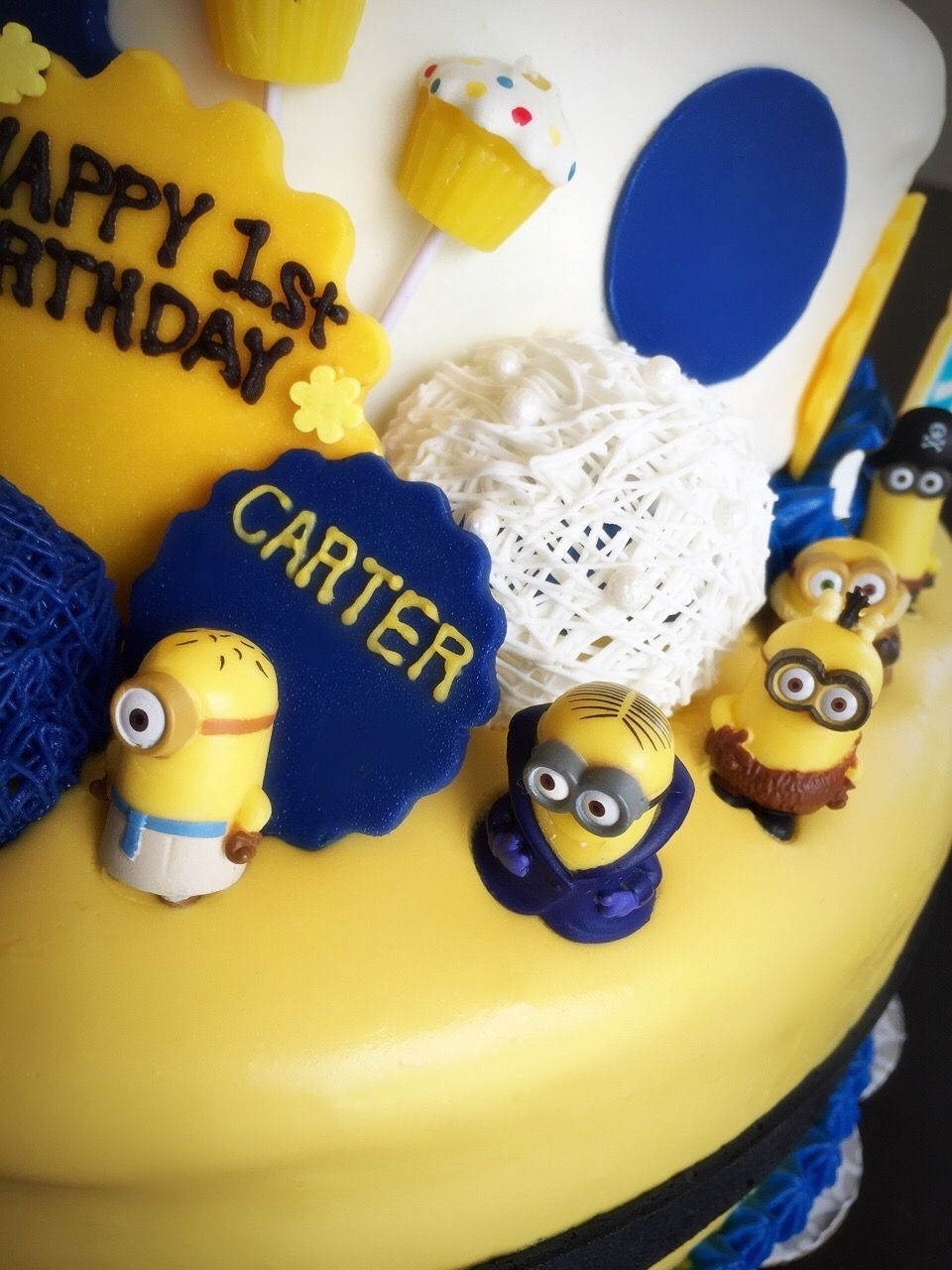 Minion Birthday Cake With Heavy Whipping Cream no fondant no