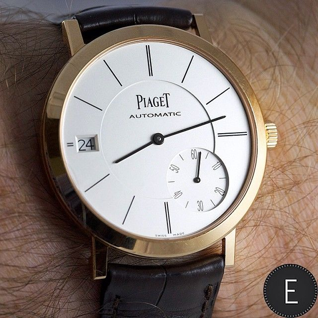 Piaget Altiplano watch in rose gold Manufacture Piaget 1205P ultra-thin automatic mechanical movement with small seconds and date.