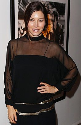 Jessica Biel in #Gucci <> thys top is cute as hell! #WERK