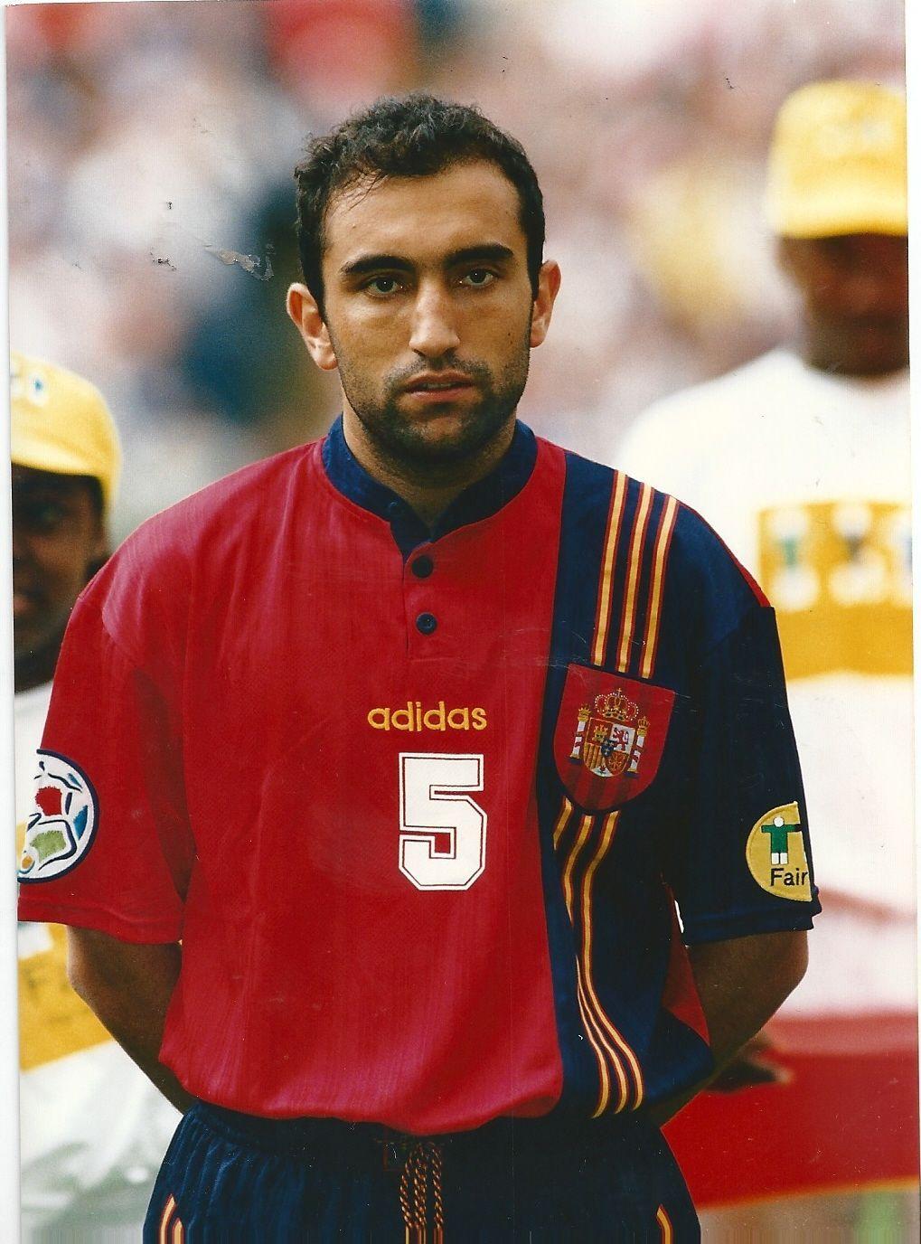 Abelardo Fernández antes del Inglaterra-España de la Eurocopa de 1996.