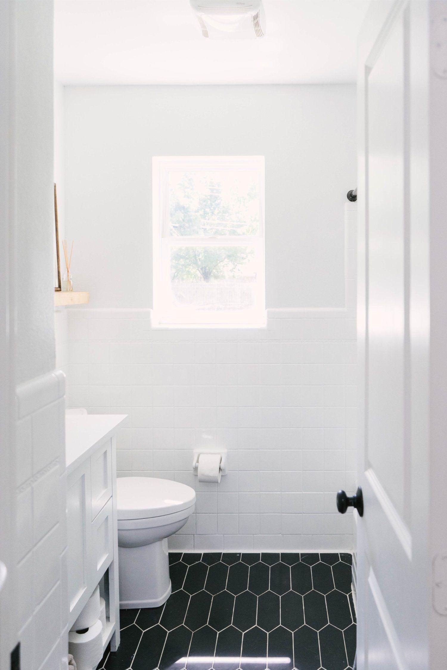 Example Of Tile Paint Before And After In A Bathroom Bathroom Design Options Tile Bathroom Reglazed Bathroom Tile