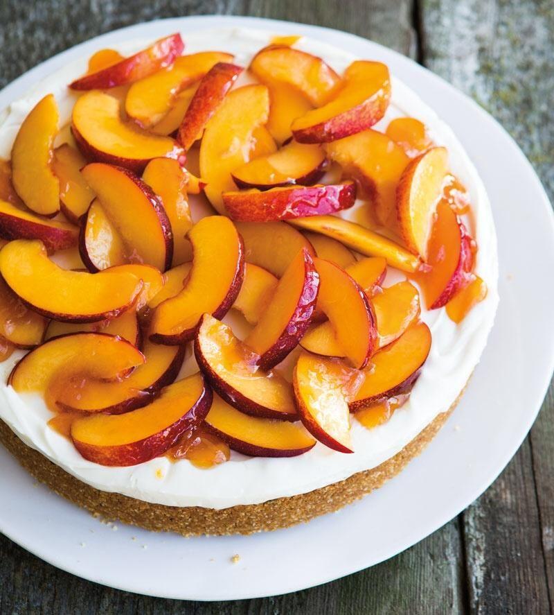 #RecipeOfTheDay: Cheer up! Summer's not over just yet. Honey-Nectarine Cheesecake: http://bit.ly/1ootUGW pic.twitter.com/G74SRZKVex
