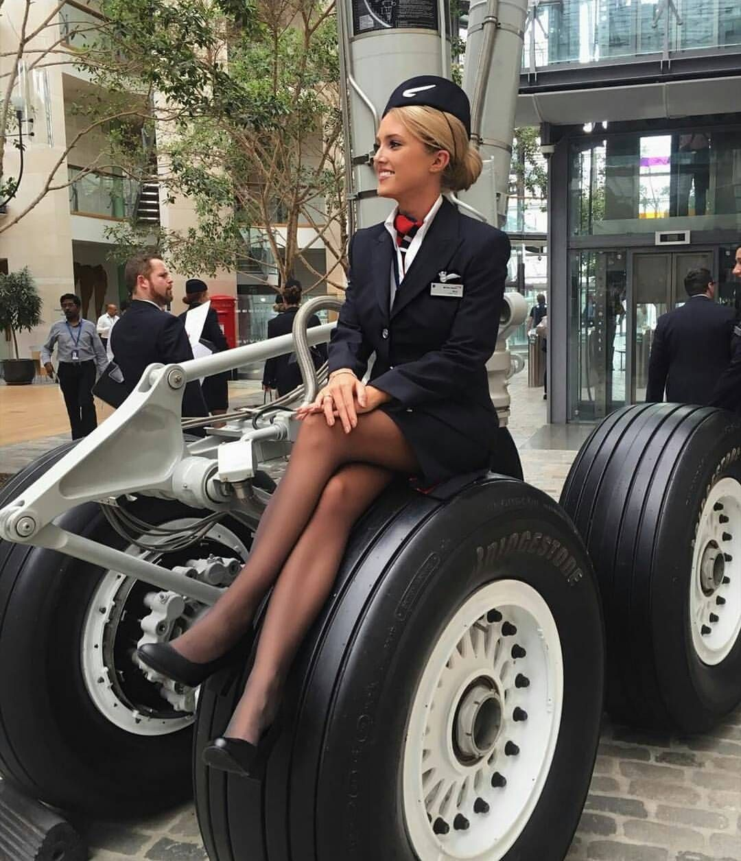 "176 Likes, 1 Comments - Cabin Crew Take Off ✈ (@cabincrewtakeoff) on Instagram: ""#flightattendant #cabincrew #stewardess #flight #crew #aviation #flyswiss #CabinCrewTakeOff…"""