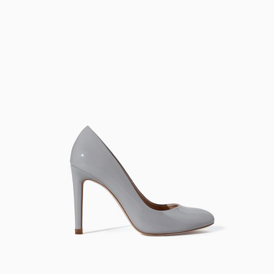 LIGHT GREY COURT SHOES
