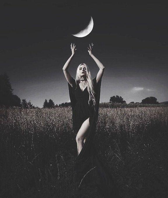 Beautyndarkness Twitter Search Twitter Dark Photography Halloween Photography Witch Photos