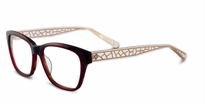 099bbf100c9 Real Housewife Lisa Vanderpump In Her Favorite Pair of Glasses