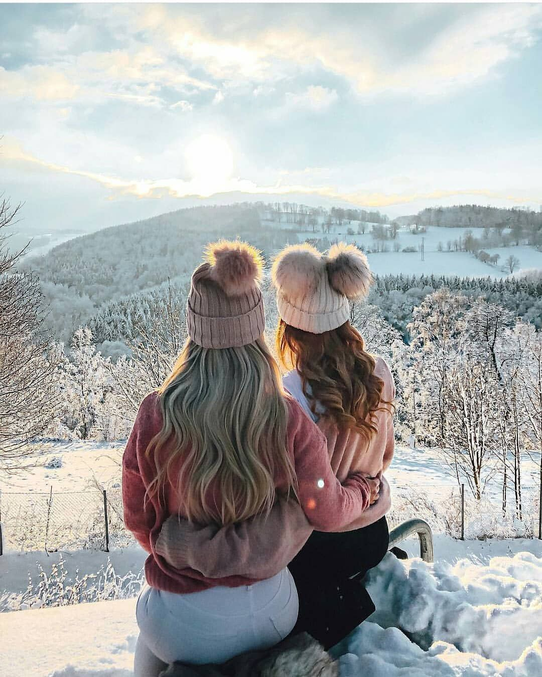 Картинки о друзьях зимой