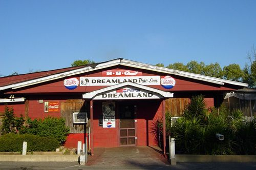 Get Your Grub On At The First Dreamland Bbq Located In Tuscaloosa