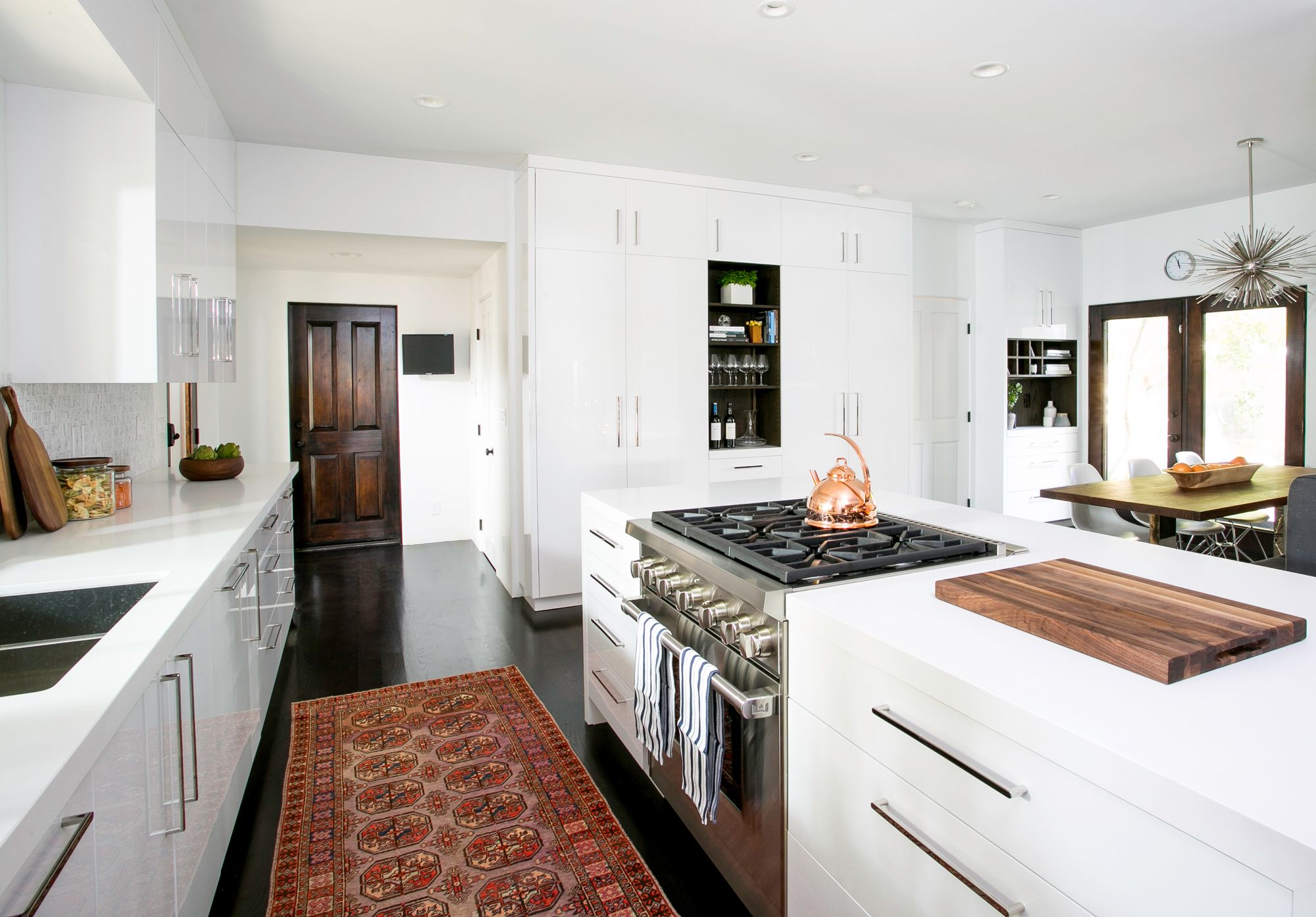 Take a Look at Christina Applegate\'s Amazing New Kitchen