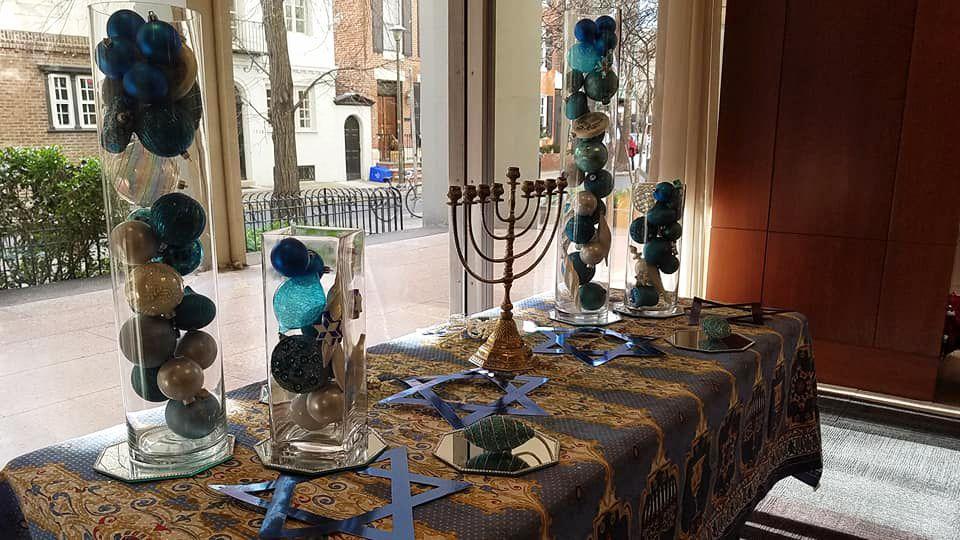 Happy Hanukkah ! #tenpennies #flowers #florist #flowershop