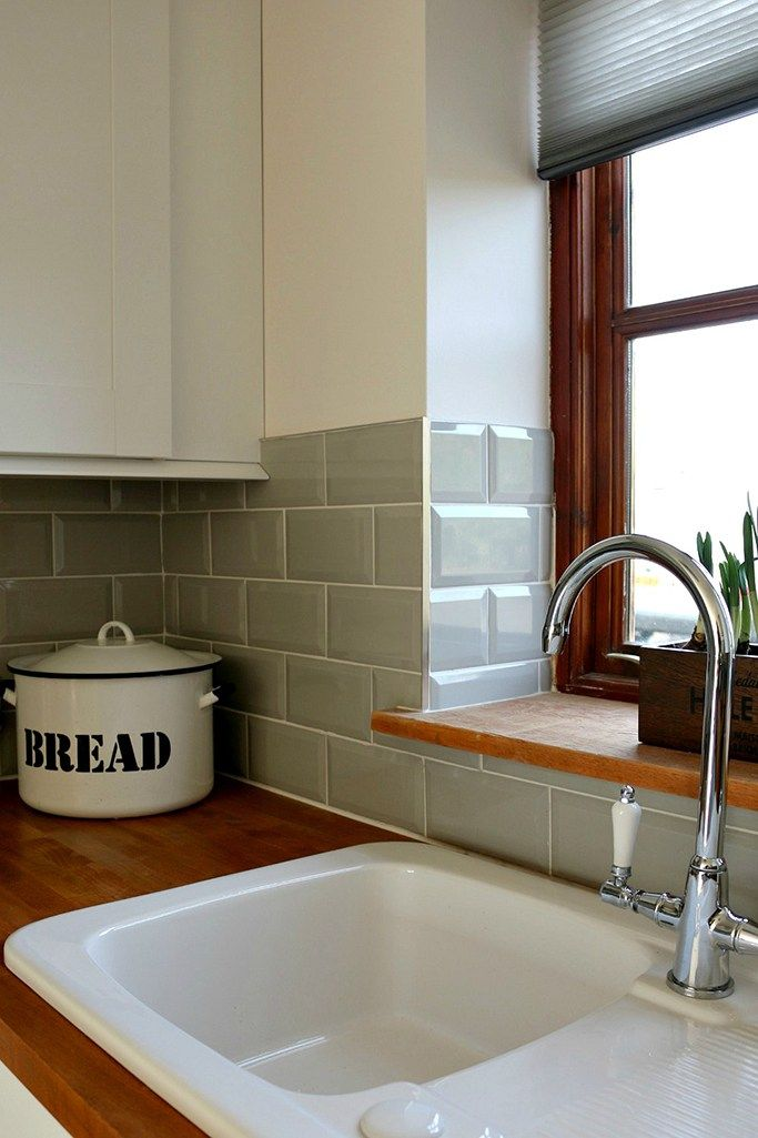 Country Charm And The Appeal Of A Metro Tile Tile Mountain Cottage Kitchen Tiles Country Cottage Kitchen Kitchen Splashback Tiles