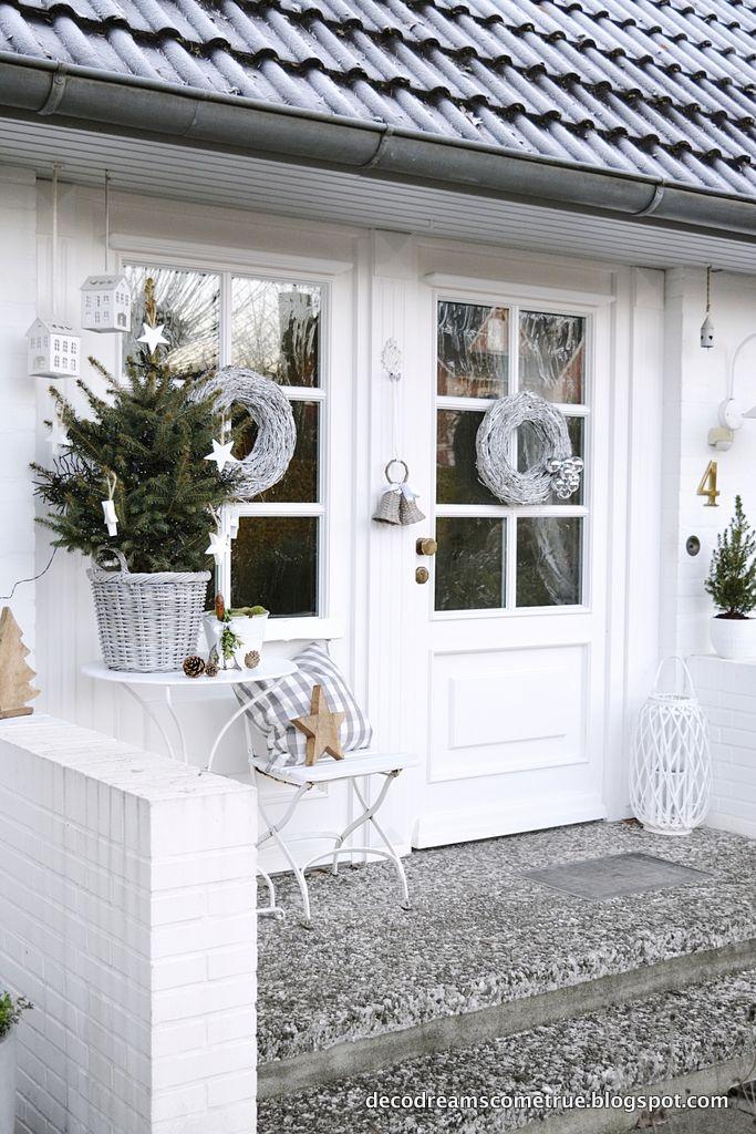 nicht nur innen aber auch im aussenbereich wird zu weihnachten alles sch n dekoriert so hat. Black Bedroom Furniture Sets. Home Design Ideas