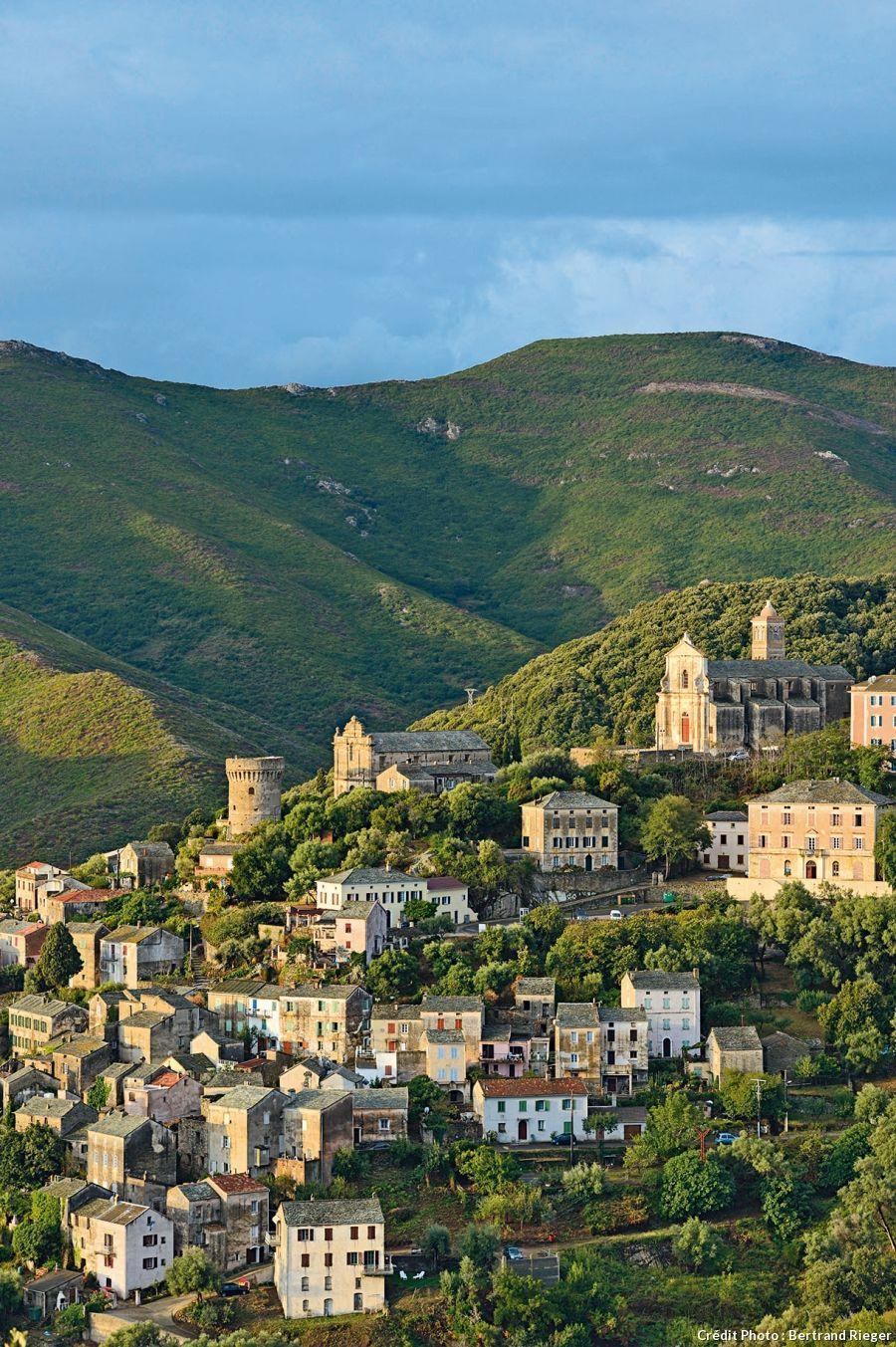 Les Palazzis Du Cap Corse Paysage Corse Paysage Reunion Paysages Du Monde