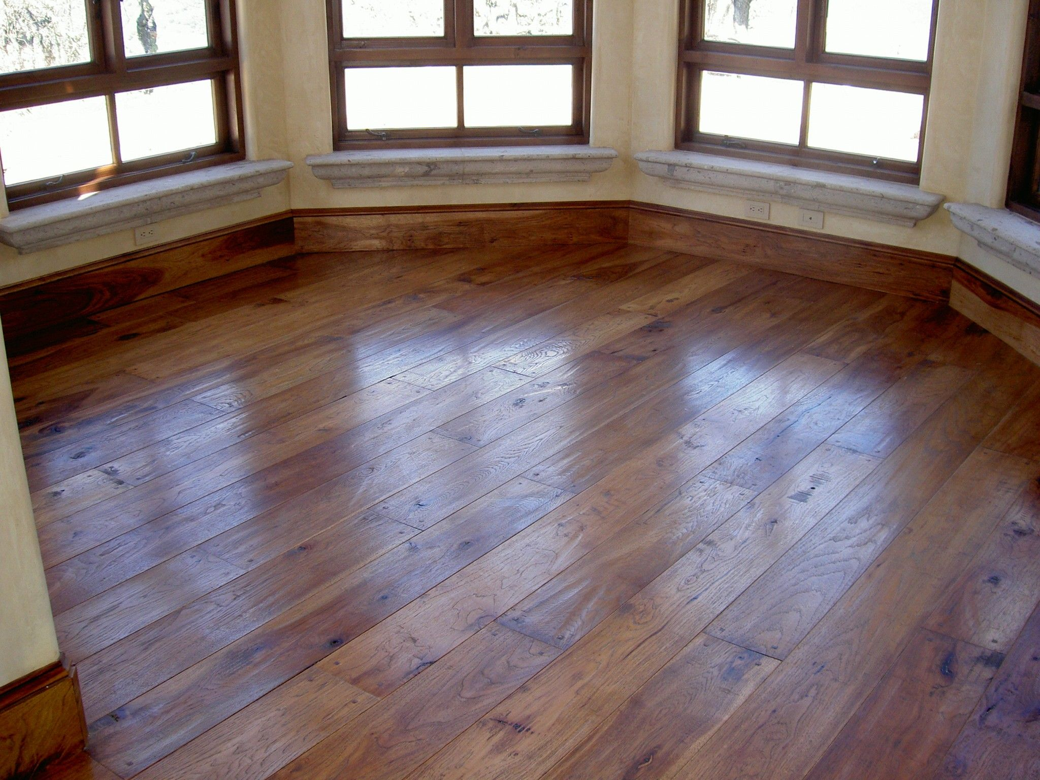 interior-brown-varnished-plywood-floor-combined-with-brown-wooden