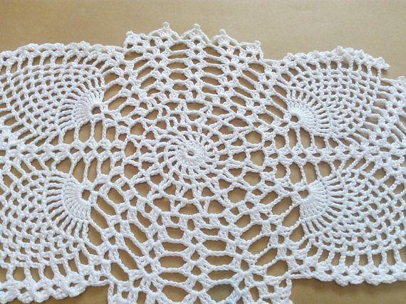 Tapete ovalado de ganchillo hecho a mano color blanco for Tapetes de ganchillo
