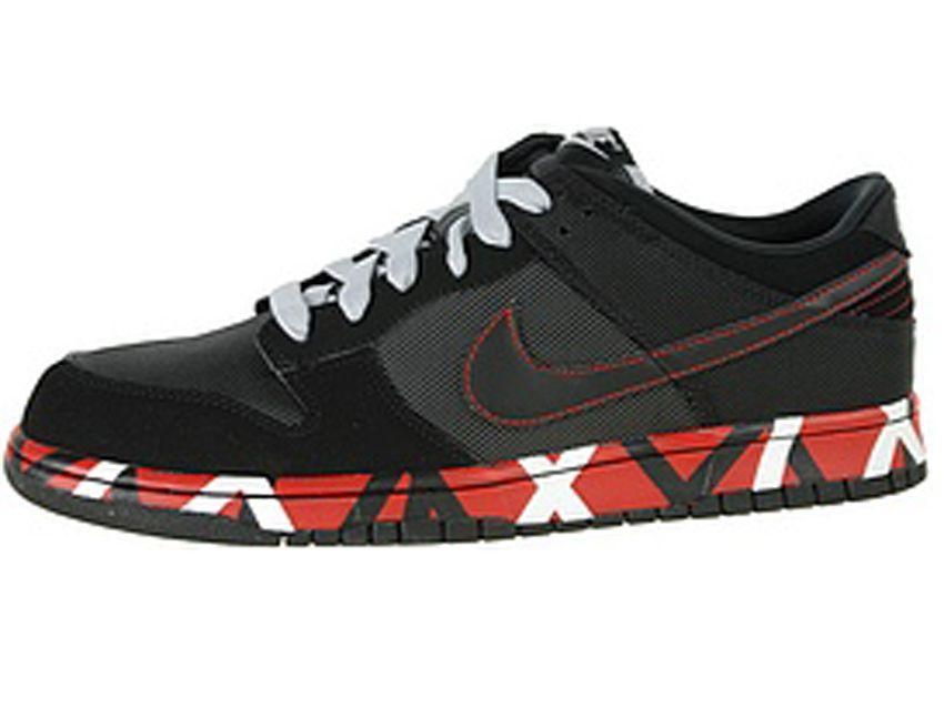 Eddie Van Halen sues Nike over stripe design on shoe...  3bd5cb090