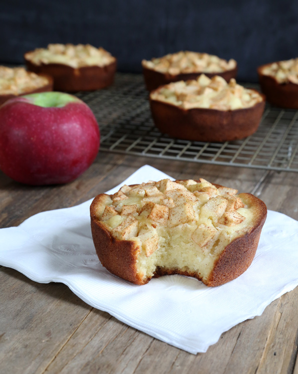 Starbucks-Style Gluten Free Apple Pound Cakes #glutenfreebreakfasts