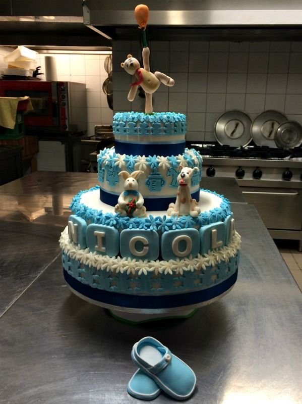 Bravo Chef! Bellissima torta inviata da Chef Enzo alla nostra App per smartphone.  Scaricala anche tu gratuitamente e inviaci le tue foto di torte decorate >> http://goo.gl/o4u1Cu