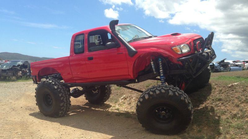 Perry's Solid Axle Swapped And Supercharged 1st Gen Tacoma