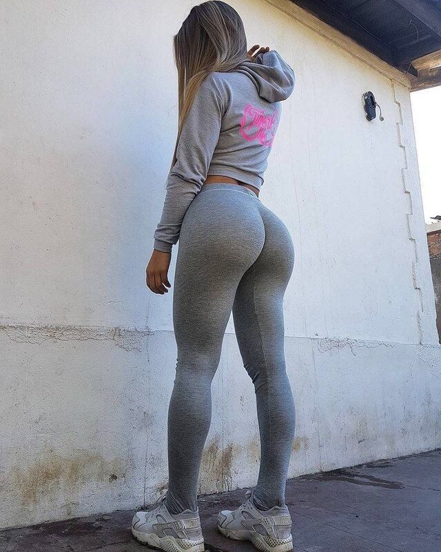 Pants in spandex Chubby chicks