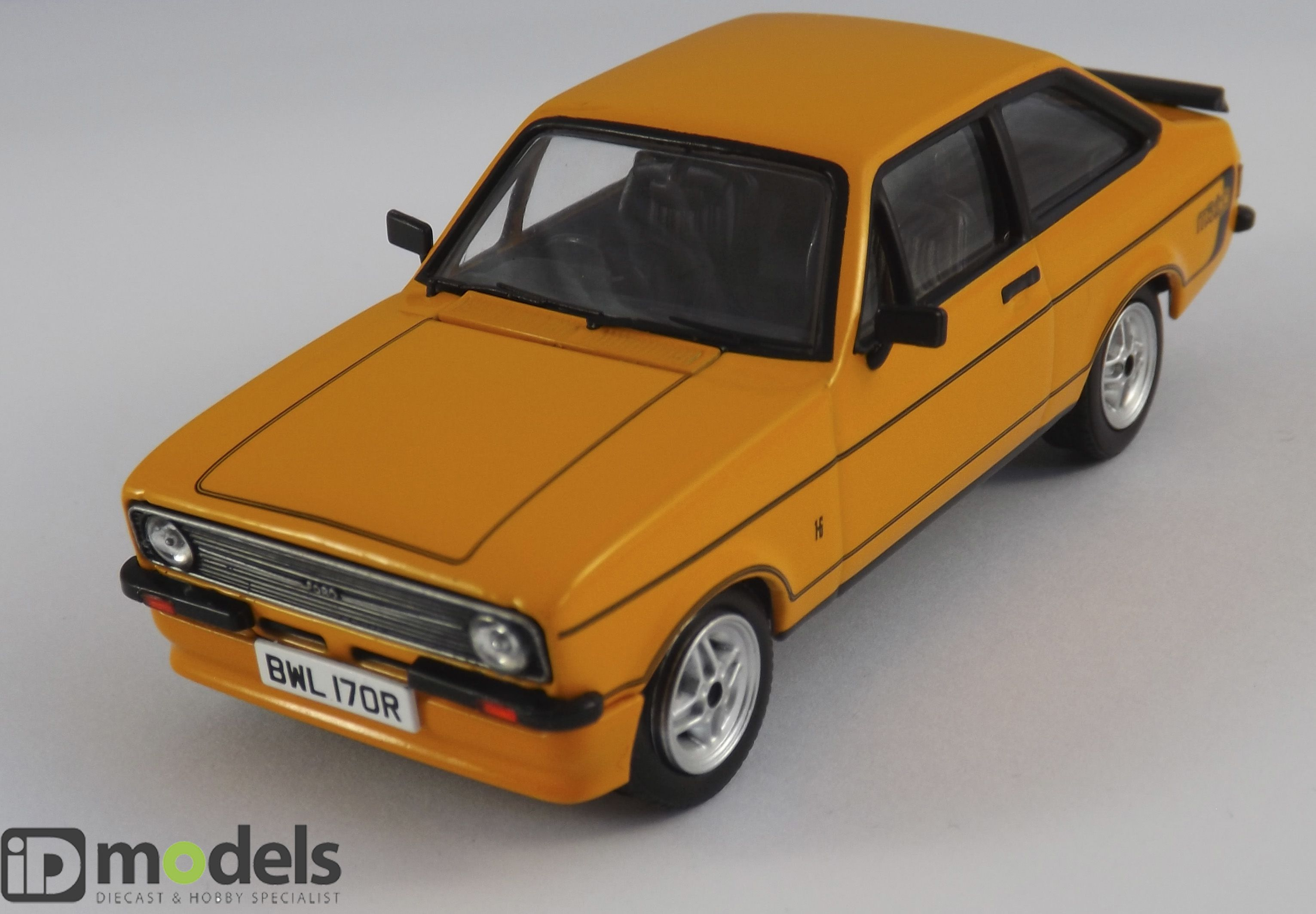 Corgi Vanguard VA12603 Ford Escort MK2 RS Diecast Model Car | 1/43 ...