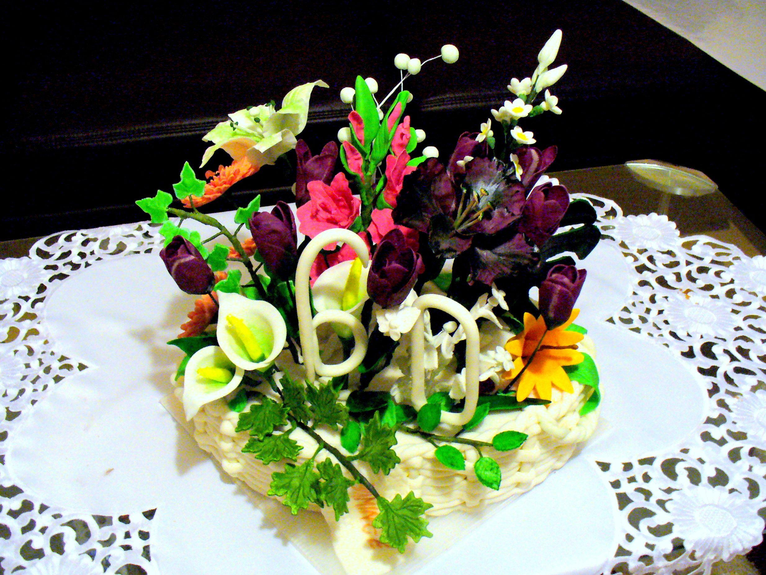 koš s kyticí květin