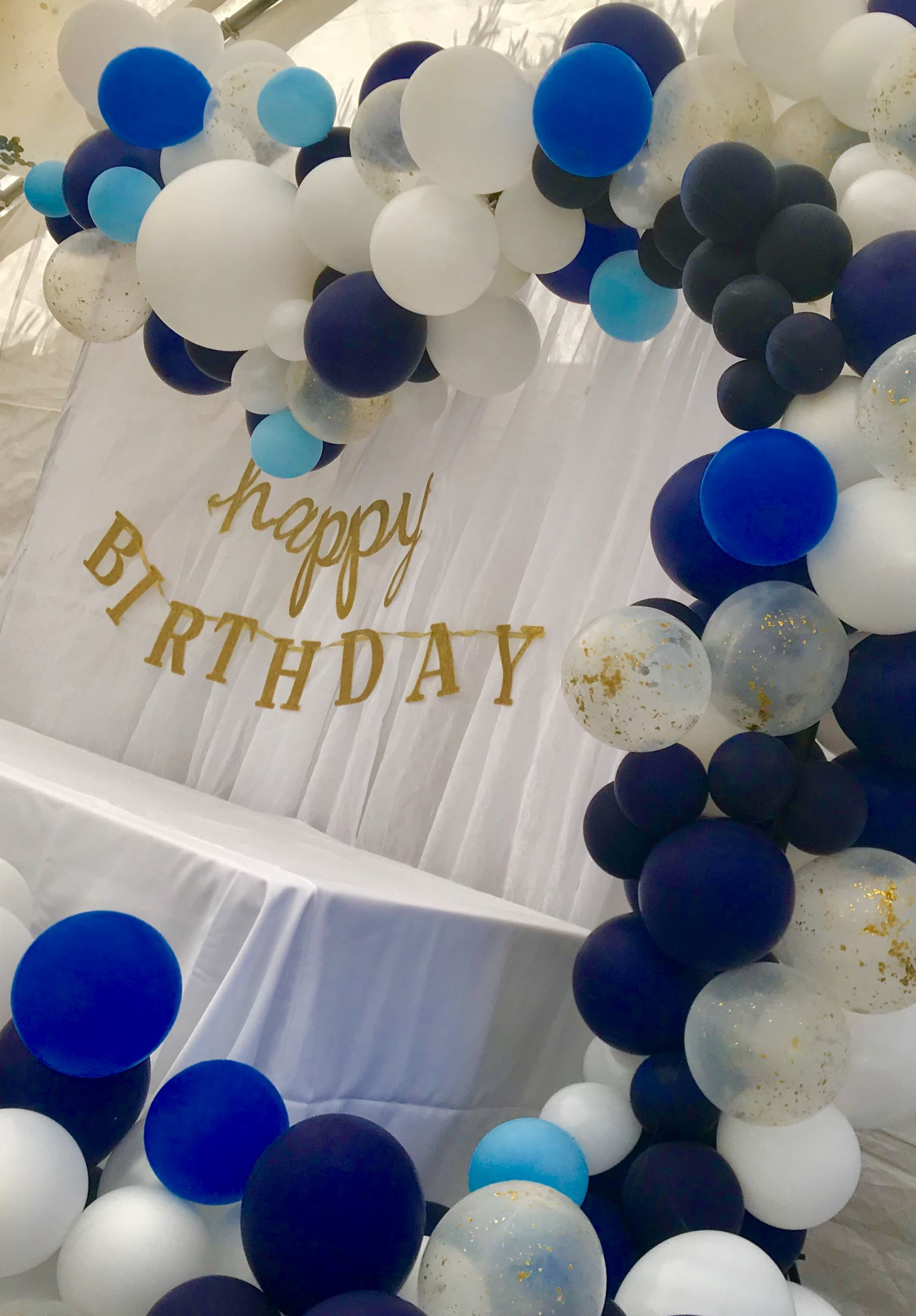 Balloon Garland With Hints Of Blue Male Birthday Party Ideas