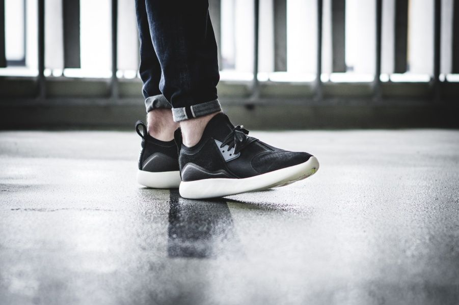 a1740c171103 Nike LunarCharge Premium Black   Thunder Blue   Sail Credit   43einhalb   Nike  Inside  Sneakers