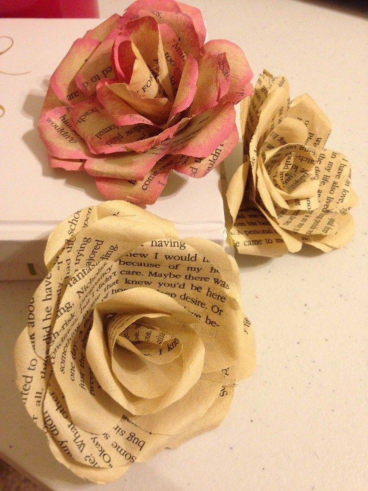 How I Created My Literary Wedding - Miss Kristine's Reviews #paperflowerswedding