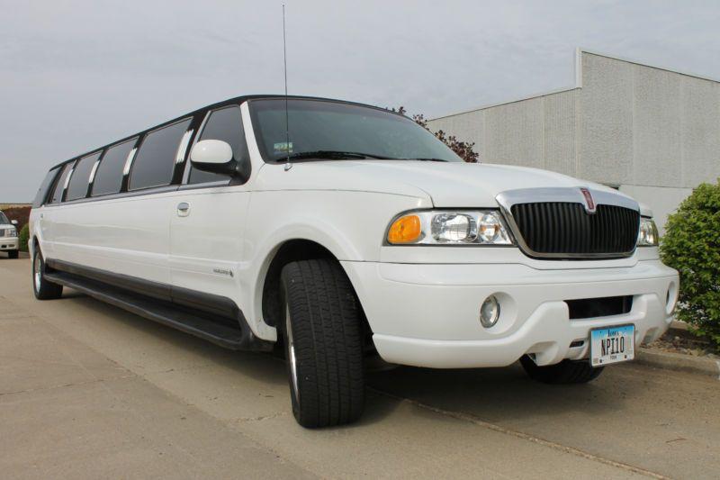 14 pass navitar limousine kansas limo