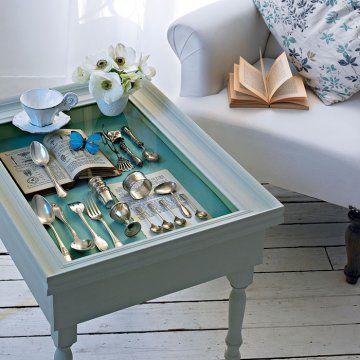 Une Table Basse Comme Une Vitrine Table Basse Idees De Decoration Interieure Idee De Decoration