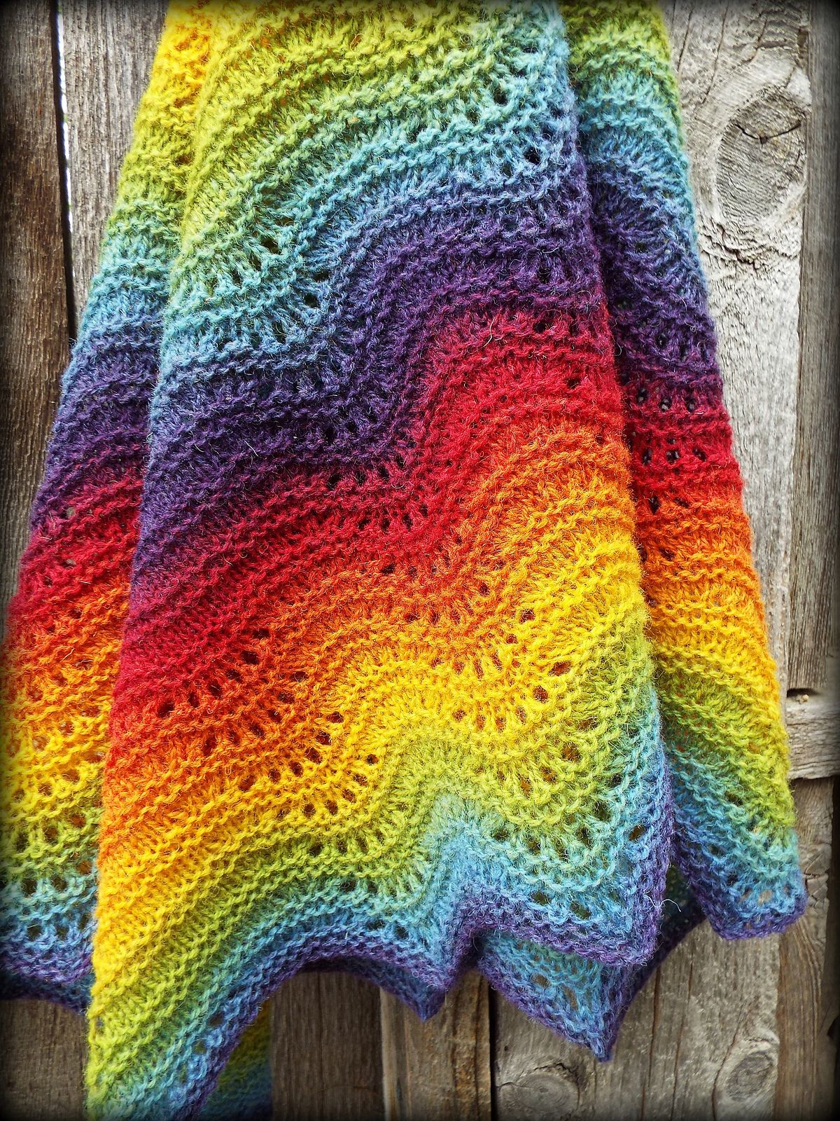 Feather And Fan Comfort Shawl By Sarah Bradberry - Free Knitted ...