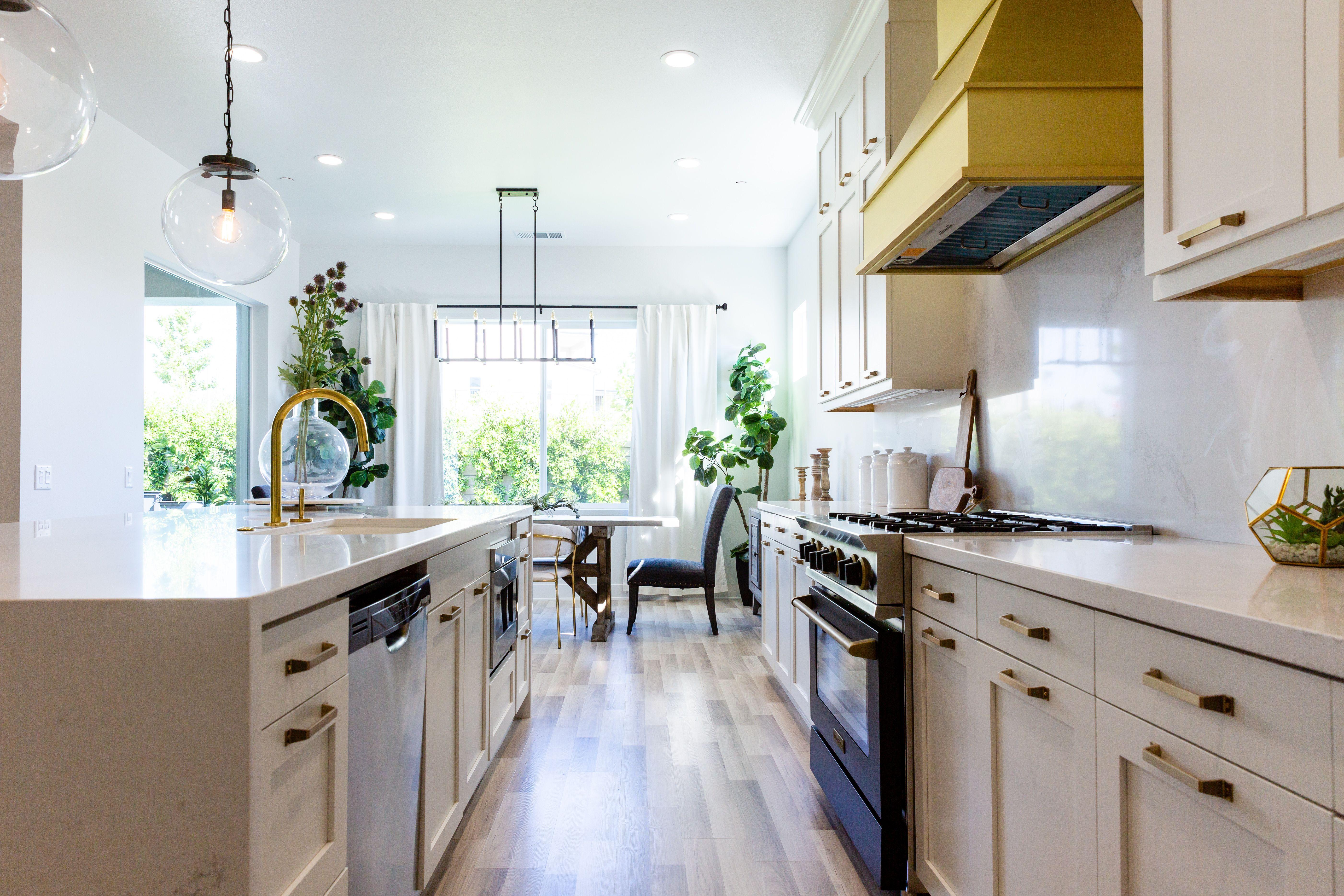 Gorgeous Kitchen In 2020 Gorgeous Kitchens Hgtv Kitchens Victoria House