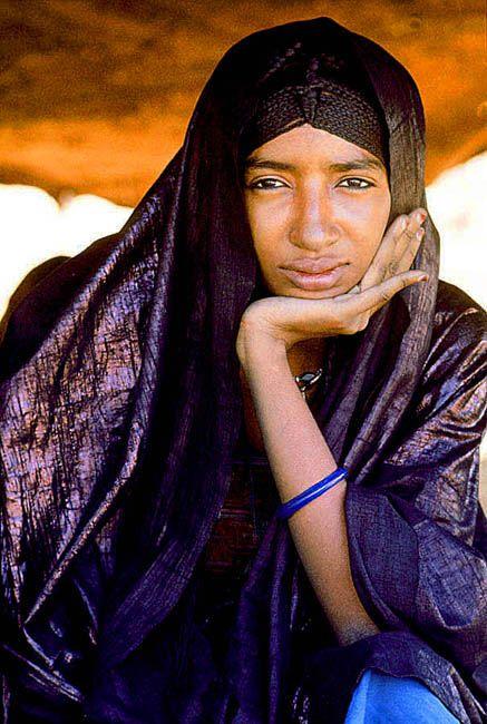 Tuareg woman sitting under her leather tent . Though Moslem Tuareg  sc 1 st  Pinterest & Niger. Sahel. Tuareg woman sitting under her leather tent . Though ...