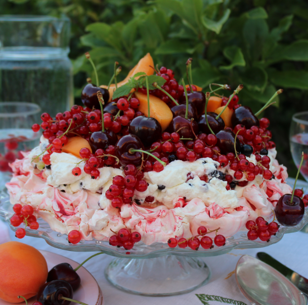 PAVLOVA WITH RED CURRANTS, BLACK CURRANTS, CHERRIES, ABRICOTS & WHIPPED CREAM. Recipe http://foodlovestories.com/