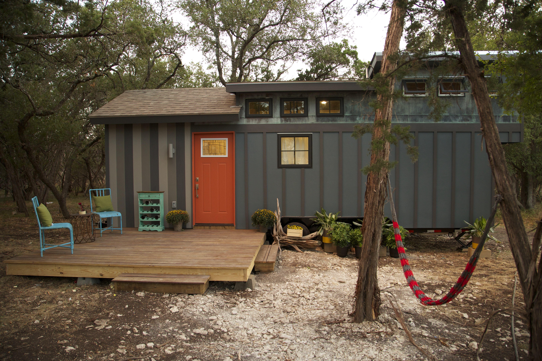 Tiny House Nation 250 Sq Ft World Traveler S Home Season 3