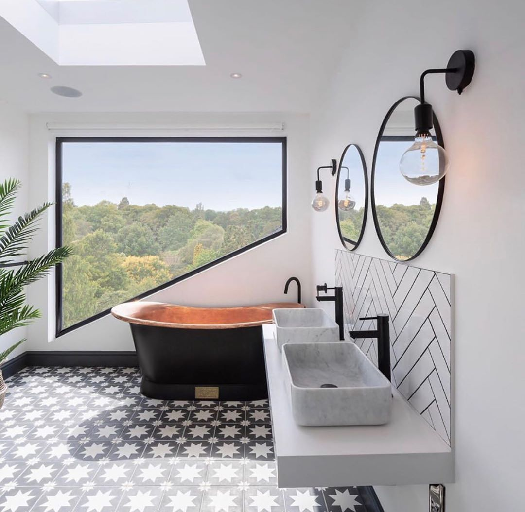 Bert May On Instagram Wow Room With A View Landers Photos Sarahsouthwellinteriors Light Bright And In 2020 Dream Bathrooms Beautiful Bathroom Designs New Homes