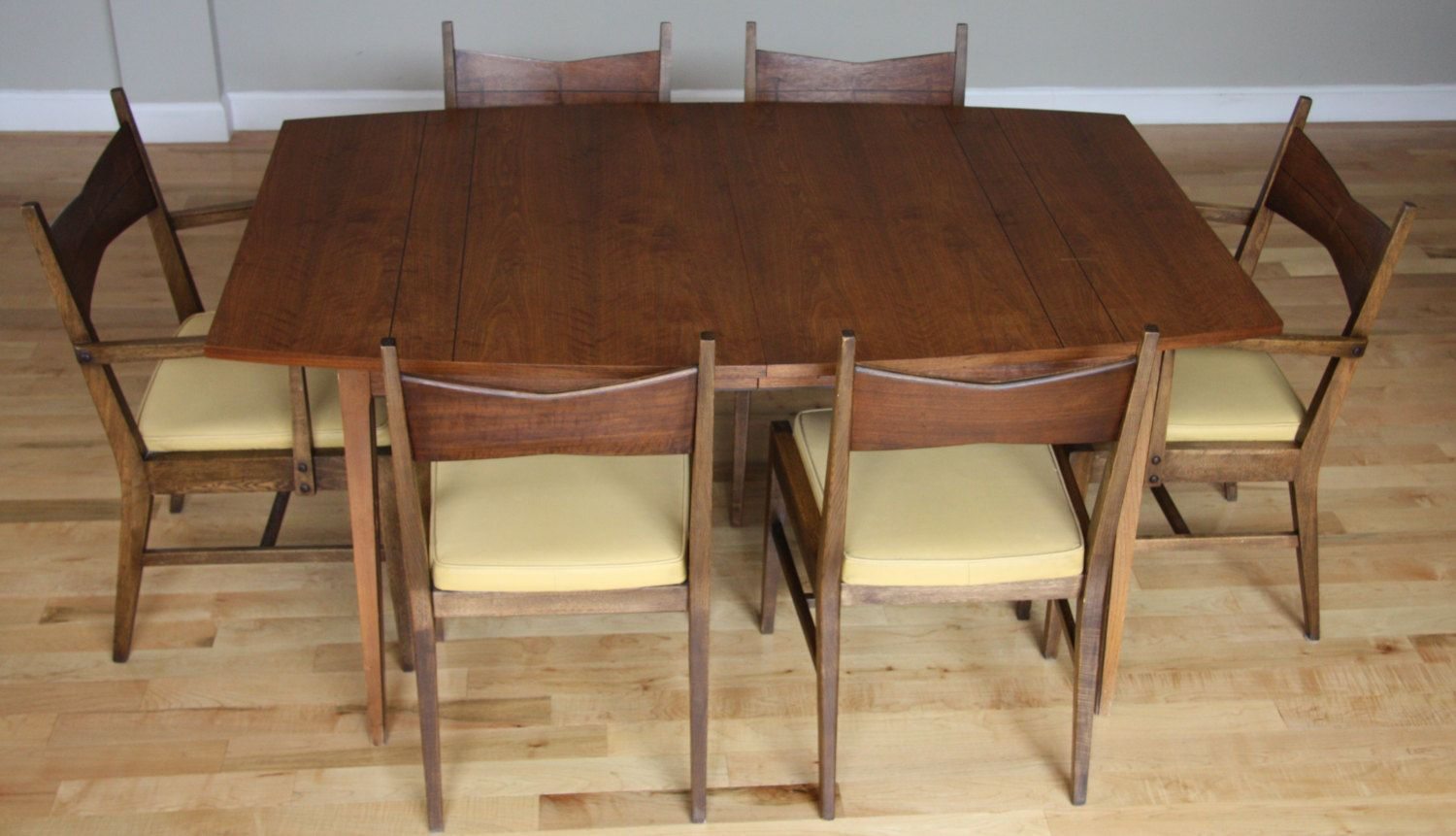 Mid Century Modern Walnut Dining Table And Chairs By Lane The
