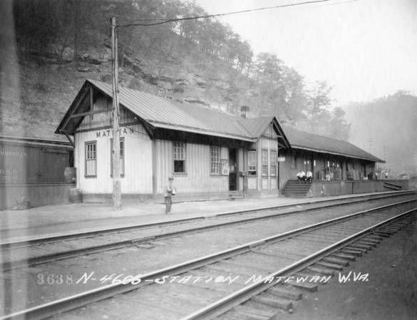 Matewan Train Station 1 West Virginia History Abandoned Train Station Abandoned Train