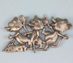 Three happy mice by Jonette Jewelry Co. pewter brooch.