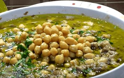 طريقه تتبيل الفول المدمس بالفيديو Food Vegetables Beans