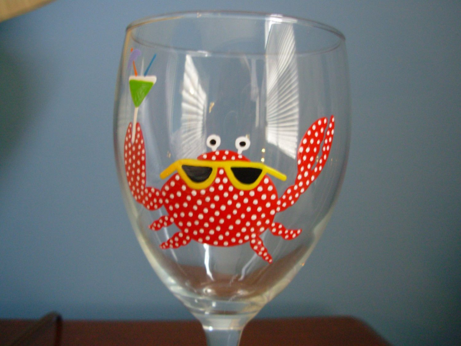 Crab Wine Glass Handpainted Wine Glass Personalized Wine Etsy Painted Wine Glass Hand Painted Glassware Painting Glassware